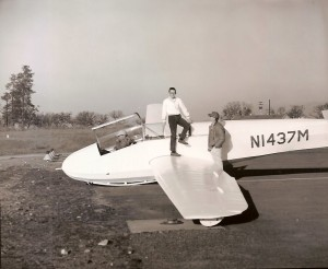 Glider and 3 men